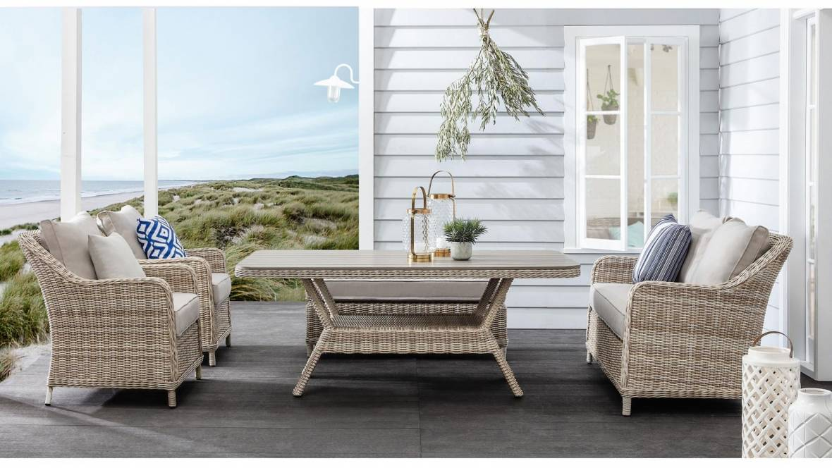 Mississippi Outdoor Dining Table