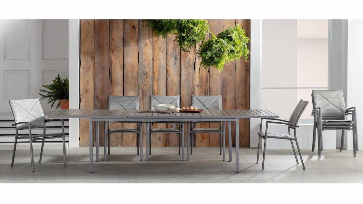 Akira Outdoor Extension Dining Table