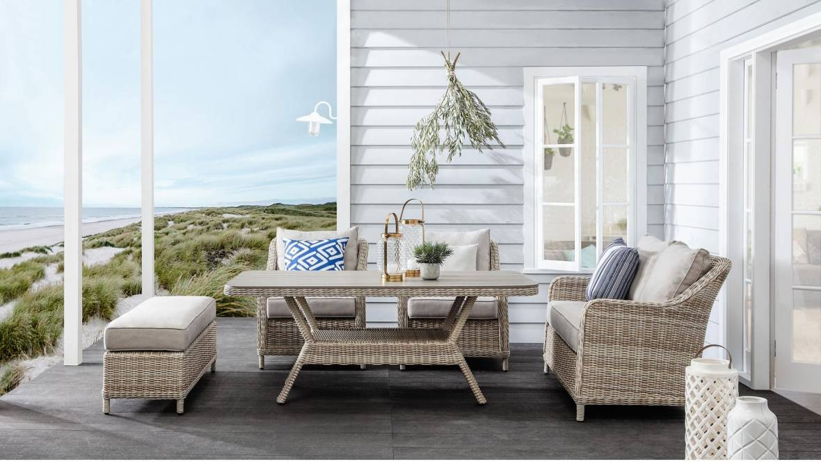 Mississippi Casual Dining Setting