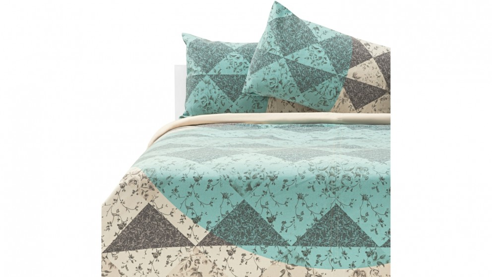 Aria Floral Quilt Cover Set