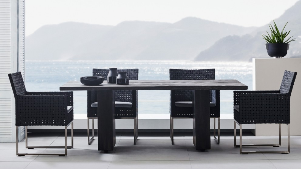 Fior Outdoor Table